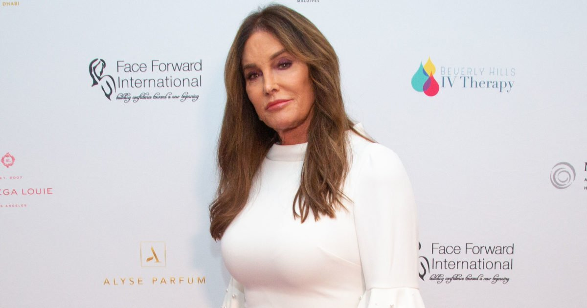 Caitlyn Jenner Praised as 'Brave' and 'Beautiful' for Taking on Infamous Reality TV Shower