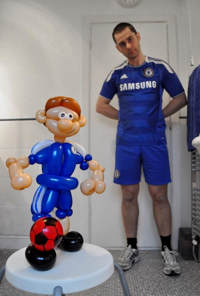 Balloon Art Chelsea Footballer