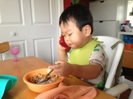 Breakfast Kid on the Phone Becomes a Meme - 01