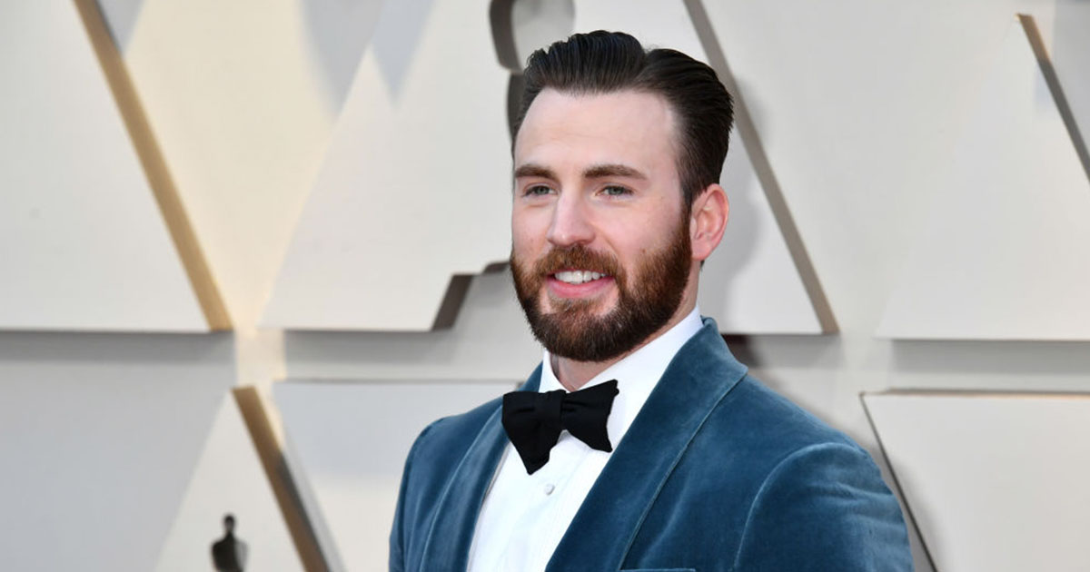 Chris Evans Jumped up to Help Regina King to the Stage at ...