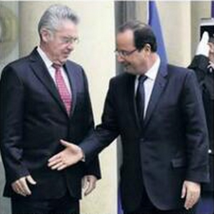 French President is Bad at Handshakes - 09