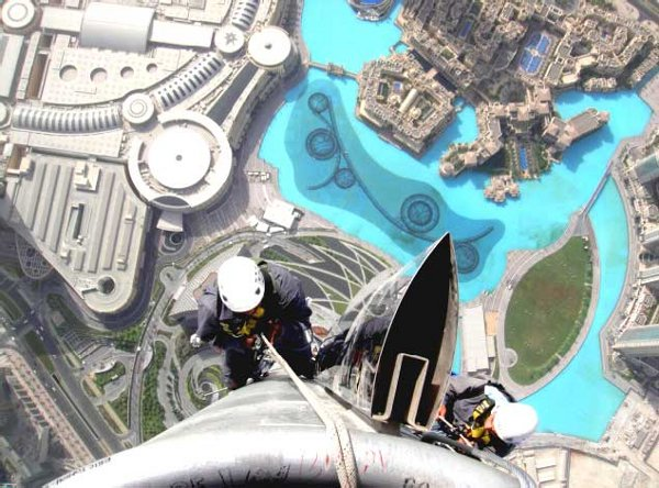 High-flying cleaners - The Burj Khalifa