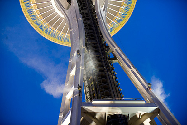 High-flying cleaners - The Space Needle