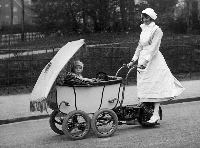 Motorized baby stroller 1923 22 words Motorized baby stroller