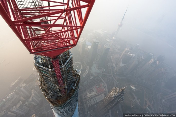 On the Roofs - Shanghai Tower - 04
