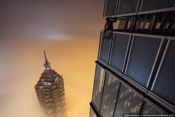 On the Roofs - Shanghai Tower - 16