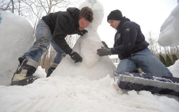 Super Bowl Snow Sculpture - 03