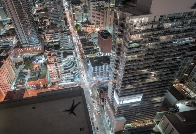 Thrilling Rooftop Photography - 07