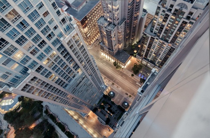 Thrilling Rooftop Photography - 11