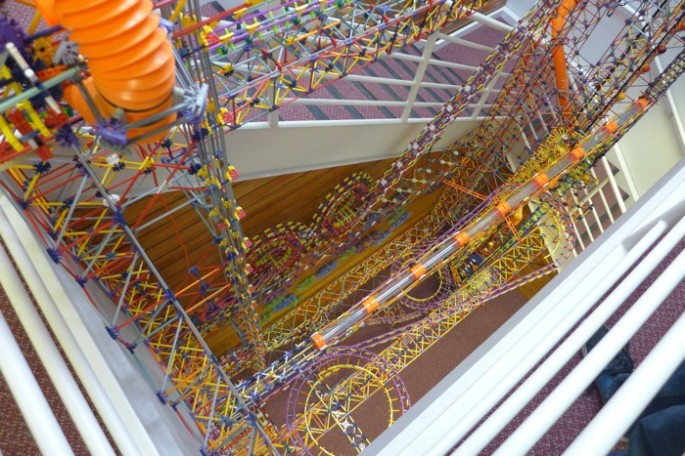 World's Larges Knex Machine - 07