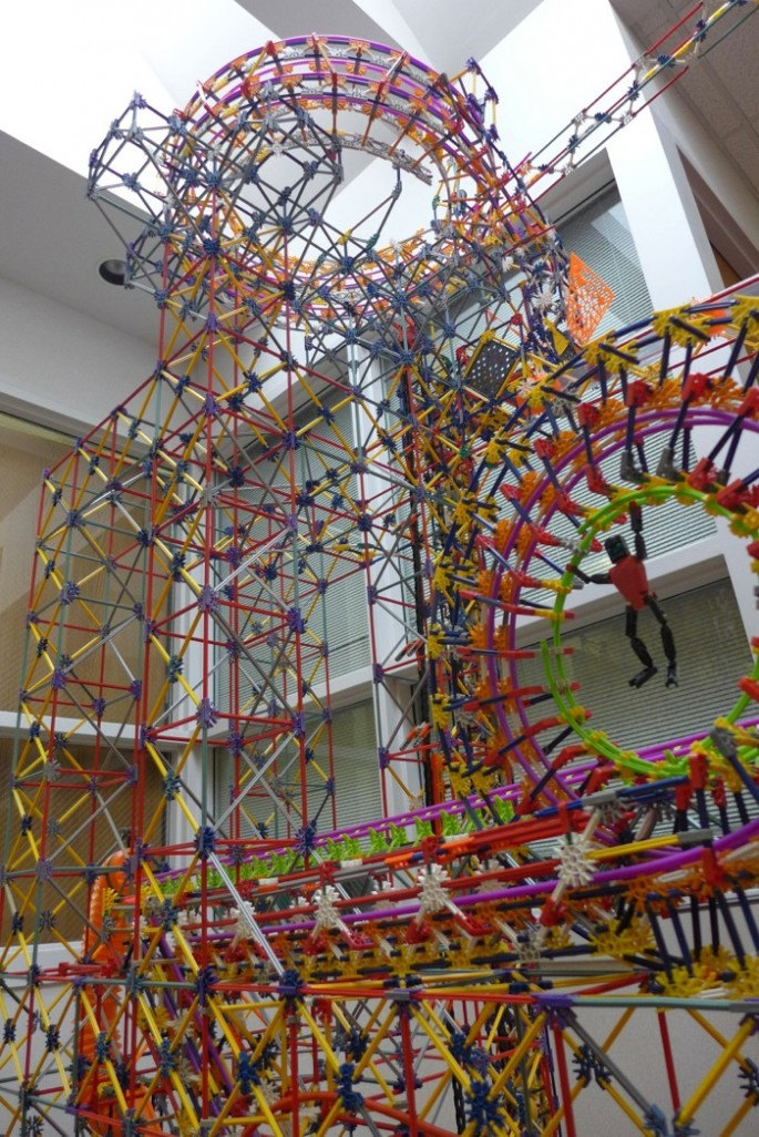 World's Larges Knex Machine - 08