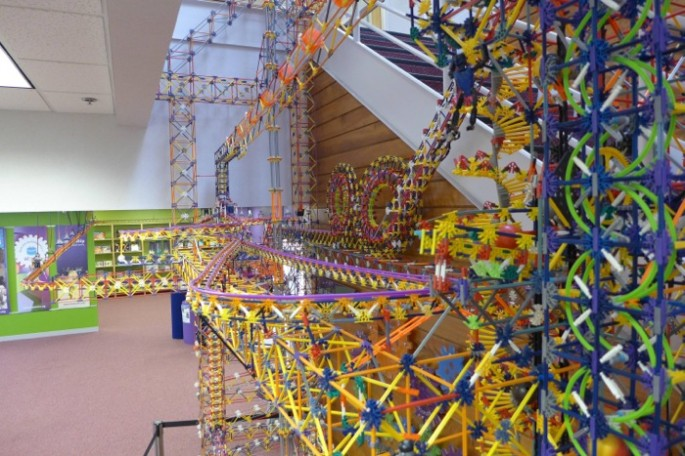 World's Larges Knex Machine - 09