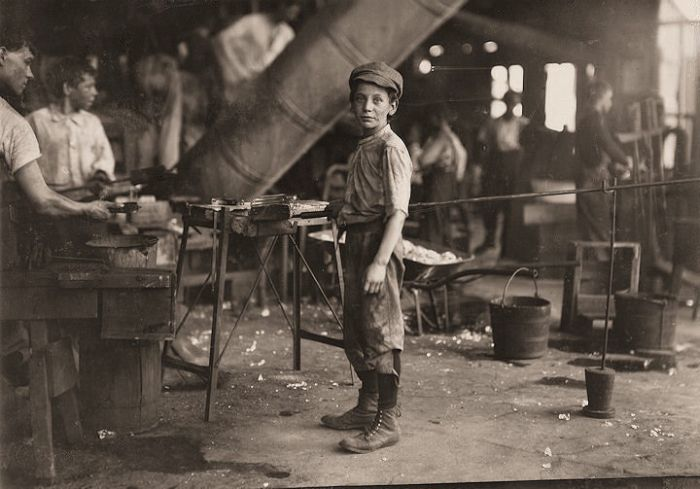 15 photographs of child labor in America from the early 1900's ...