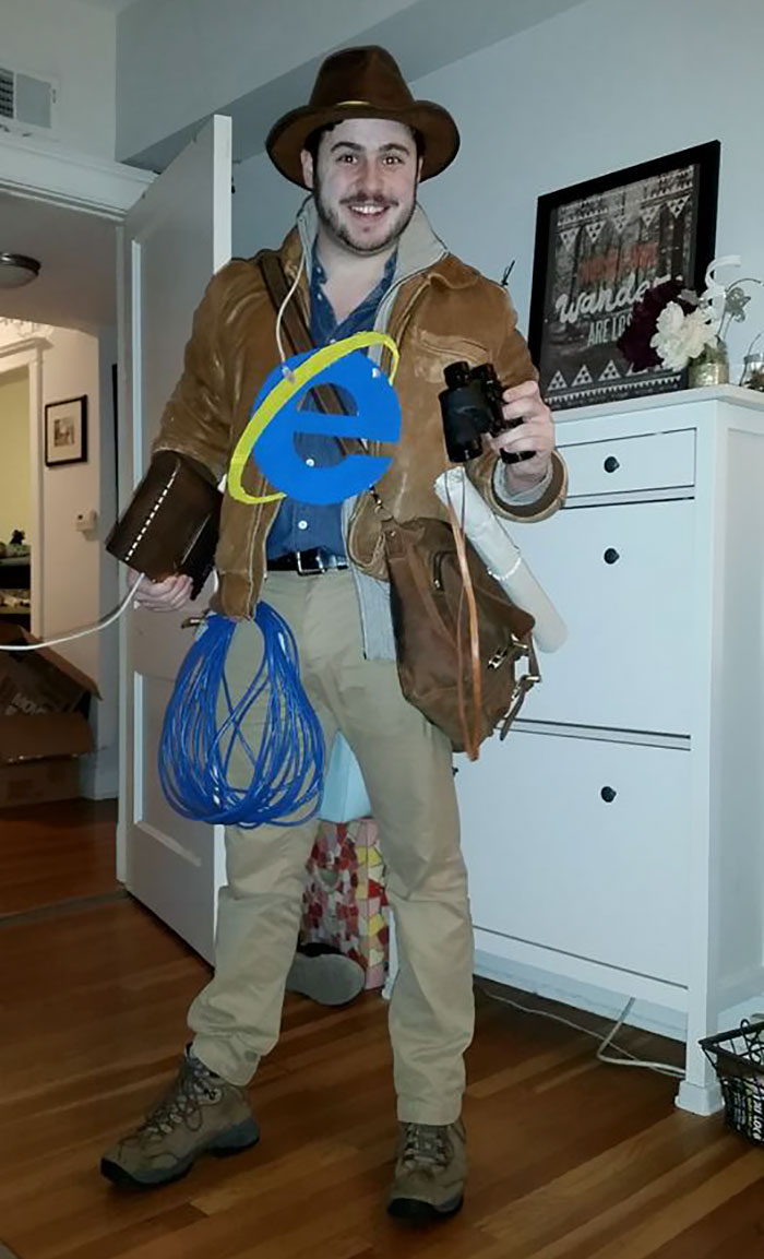 the 60 most clever halloween costumes you'll ever see | 22 words