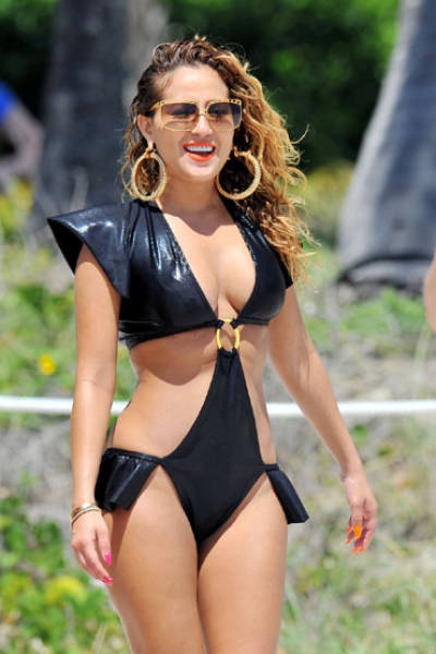 These Ridiculous Swimsuit Fails Might Scare You Away From Beaches