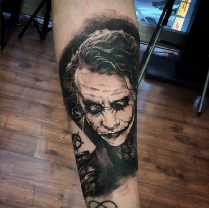 0a21d41698422 These 40 Epic Tattoos Inspired By Movies Are Pure Artistic GENIUS ...