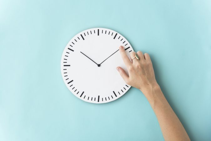 Schools Remove Analog Clocks Because Kids Can't Read Them